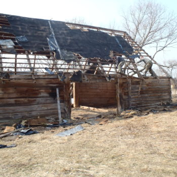 Rozbiórka stodoły