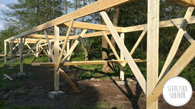 Budowa konstrukcji domków.