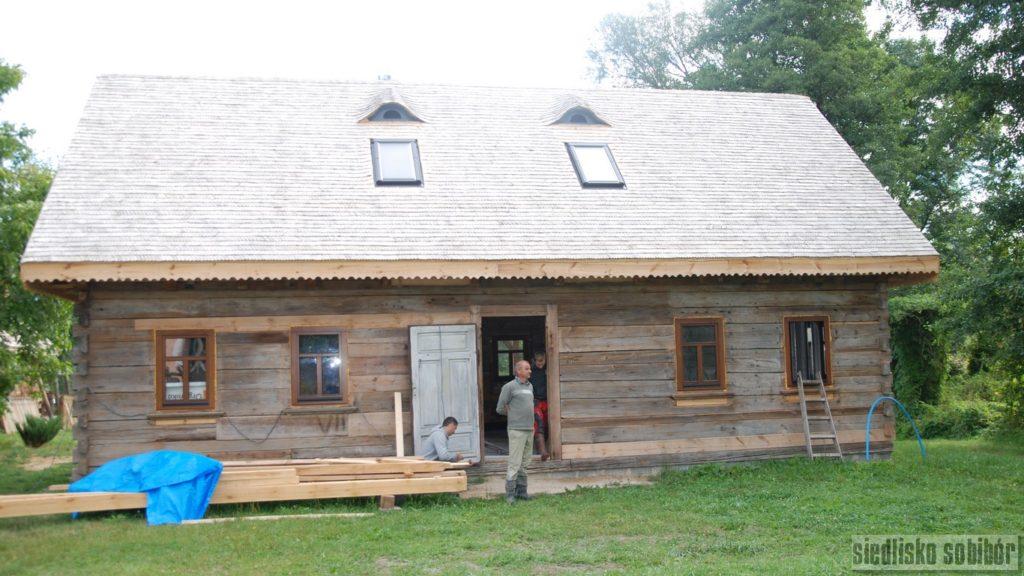 Krycie dachu, montaż okien